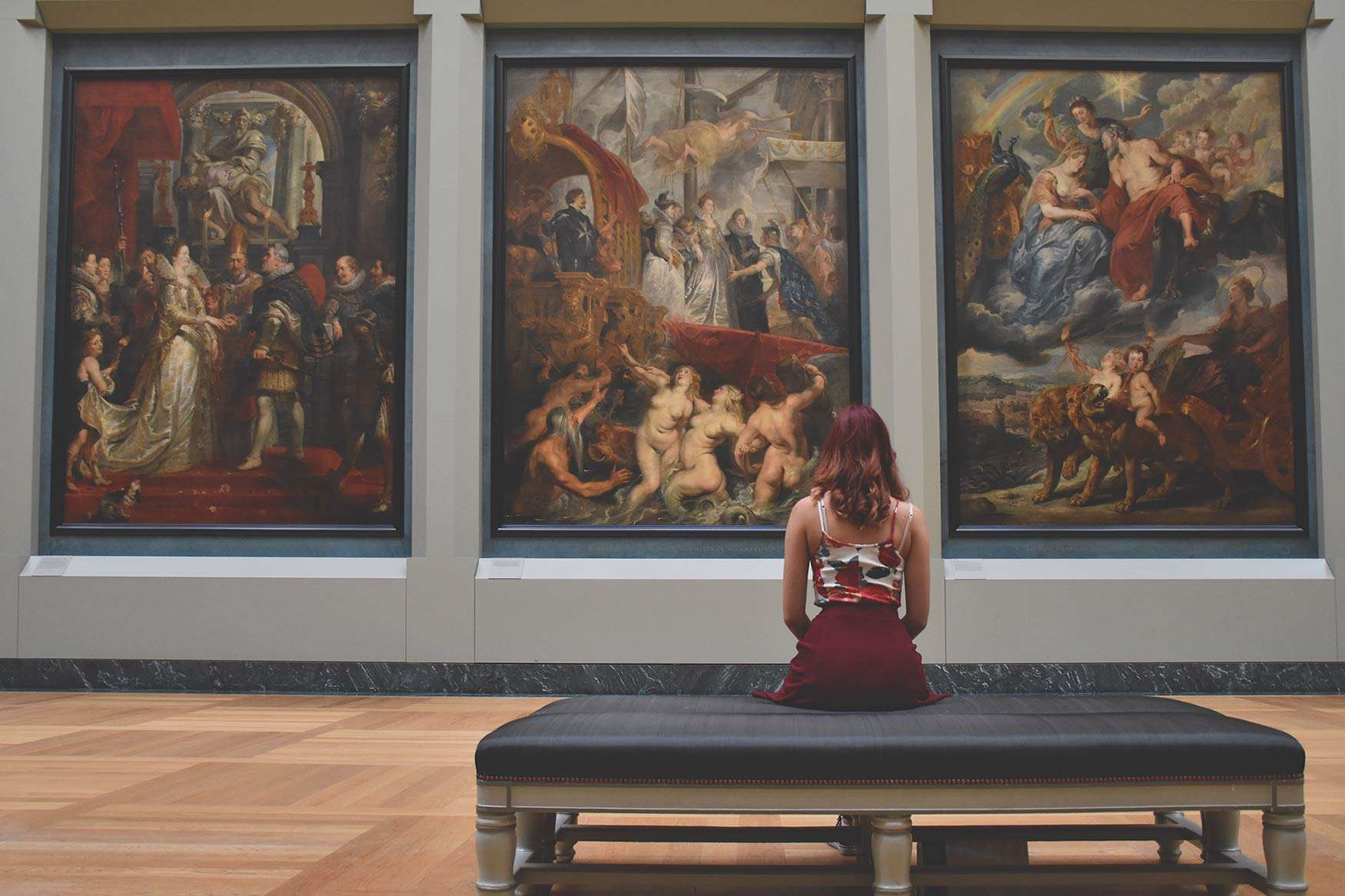 Girl In Museum | Admissionado