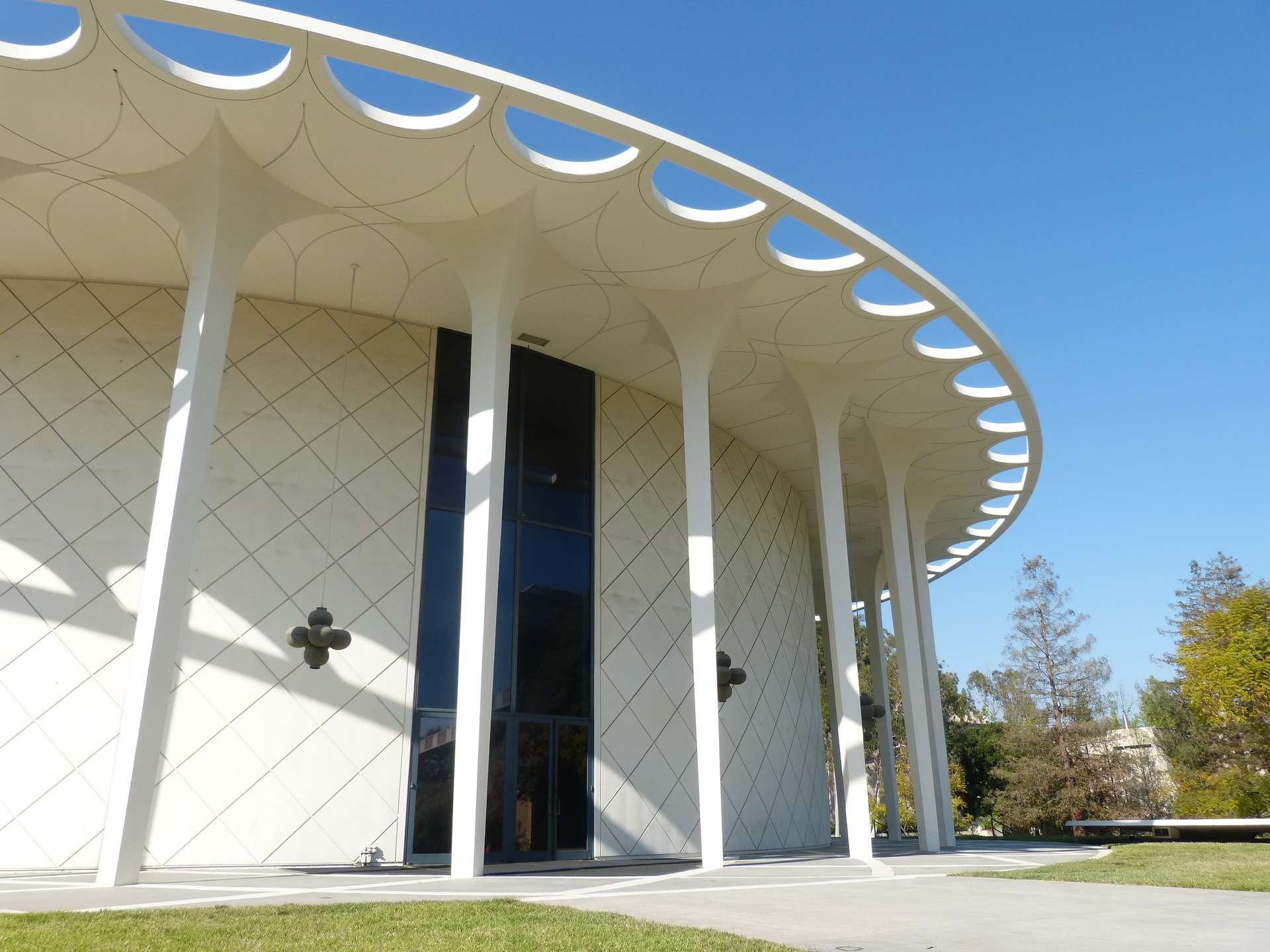 Caltech-Beckman-Auditorium